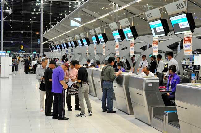Bangkok Airport has an automatic check-in system.